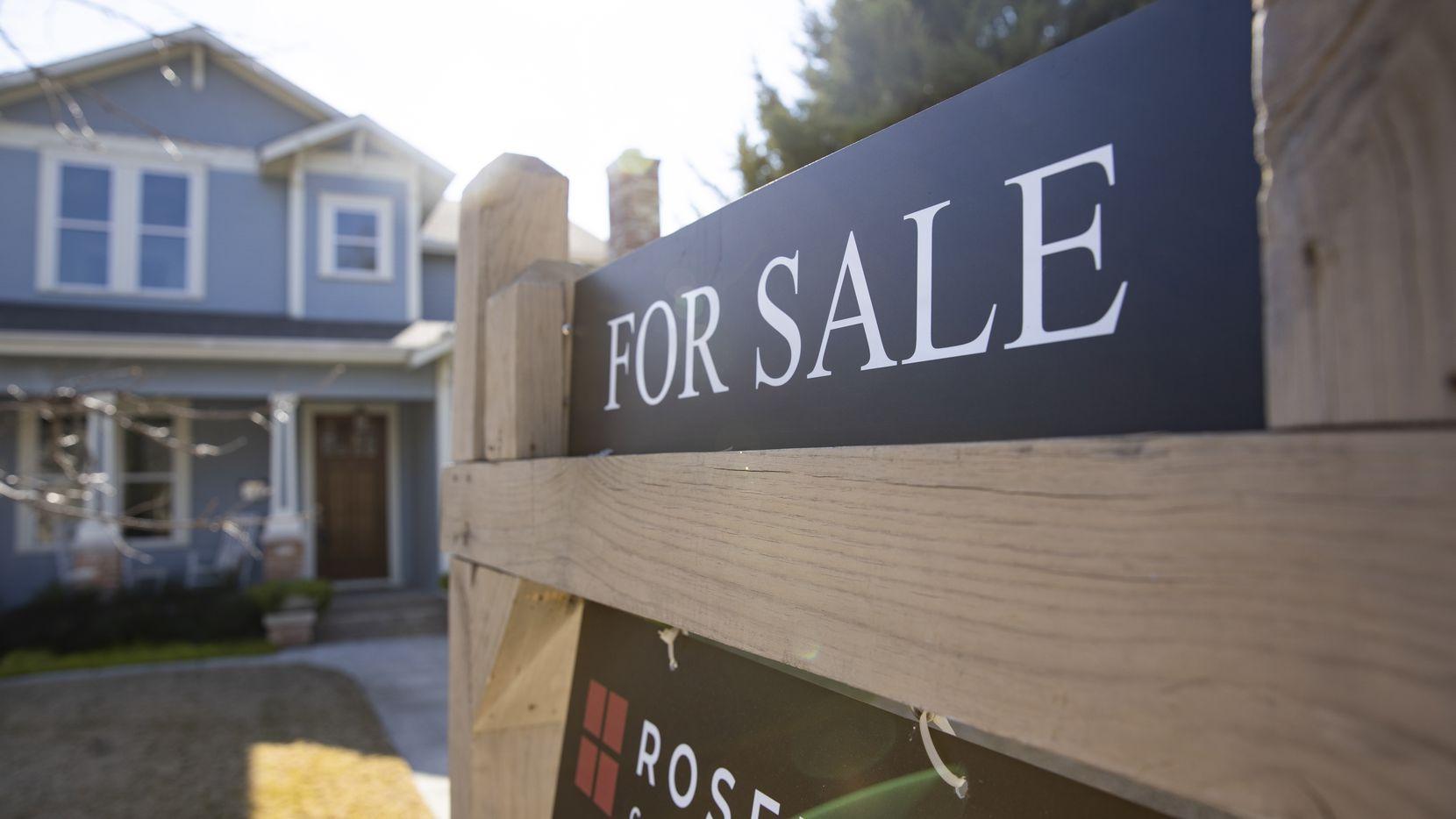 Los precios de las casas en febrero aumentaron en más del 10%.
