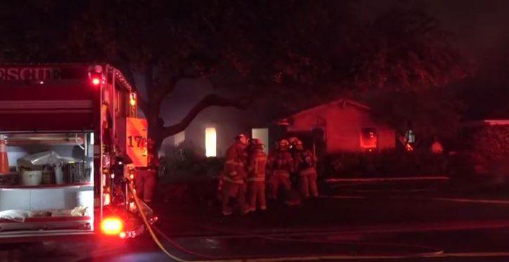 Un hombre y su perro murieron en un incendio en Lakewood.