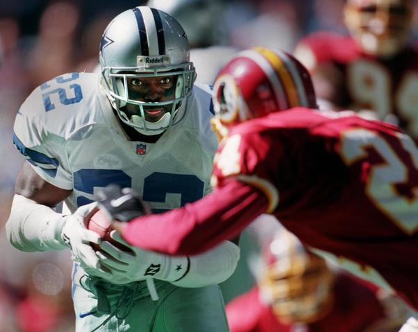 Emmitt Smith fue seleccionado en el draft de 1990 por los Cowboys de Dllas y se convirtió en un jugador histórico de la franquicia.