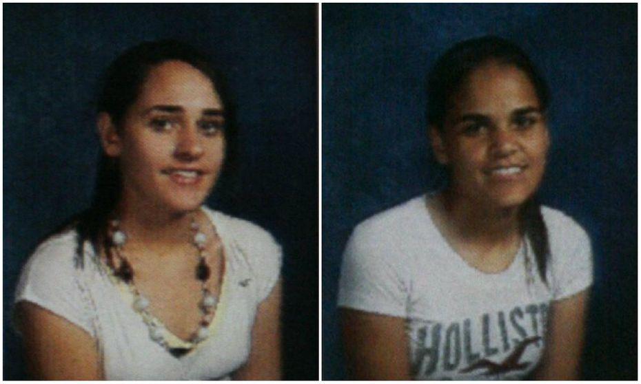 Amina Said (izq.) and Sarah Said (der.) en su fotografía de la preparatoria, en Lewisville.