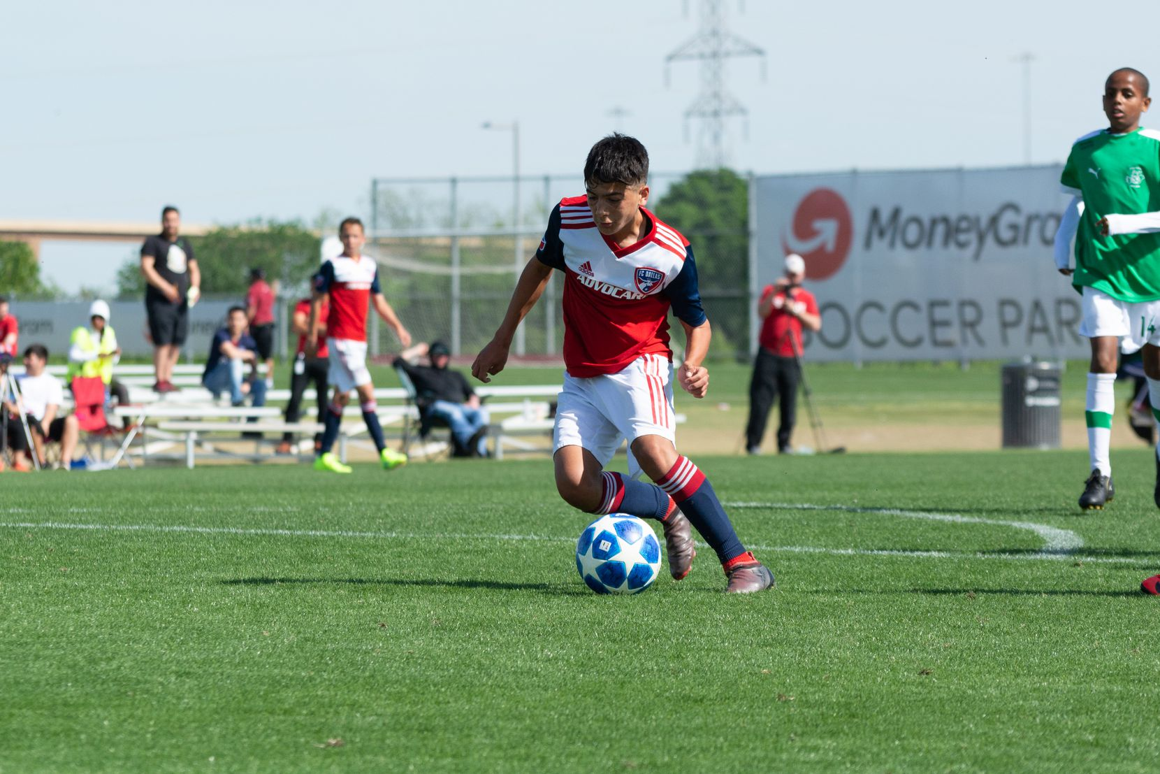Diego Hernandez on the ball for FC Dallas in the 2019 Dallas Cup against Ikapa United.