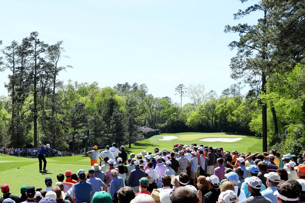 AUGUSTA, GA - APRIL 09:  Jordan Spieth of the United States plays his shot from the fourth tee as patrons look on during the final round of the 2017 Masters Tournament at Augusta National Golf Club on April 9, 2017 in Augusta, Georgia.  (Photo by Andrew Redington/Getty Images)