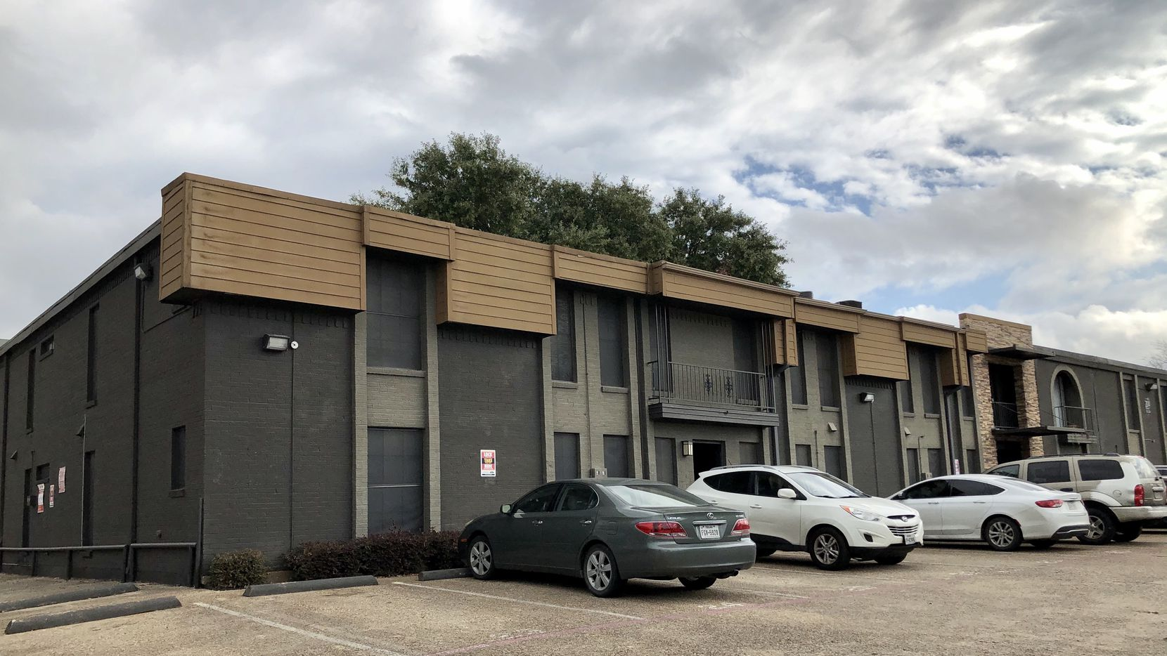Brooklyn-based Freshwater Group LLC bought the apartments at 2014 Bennett in East Dallas.