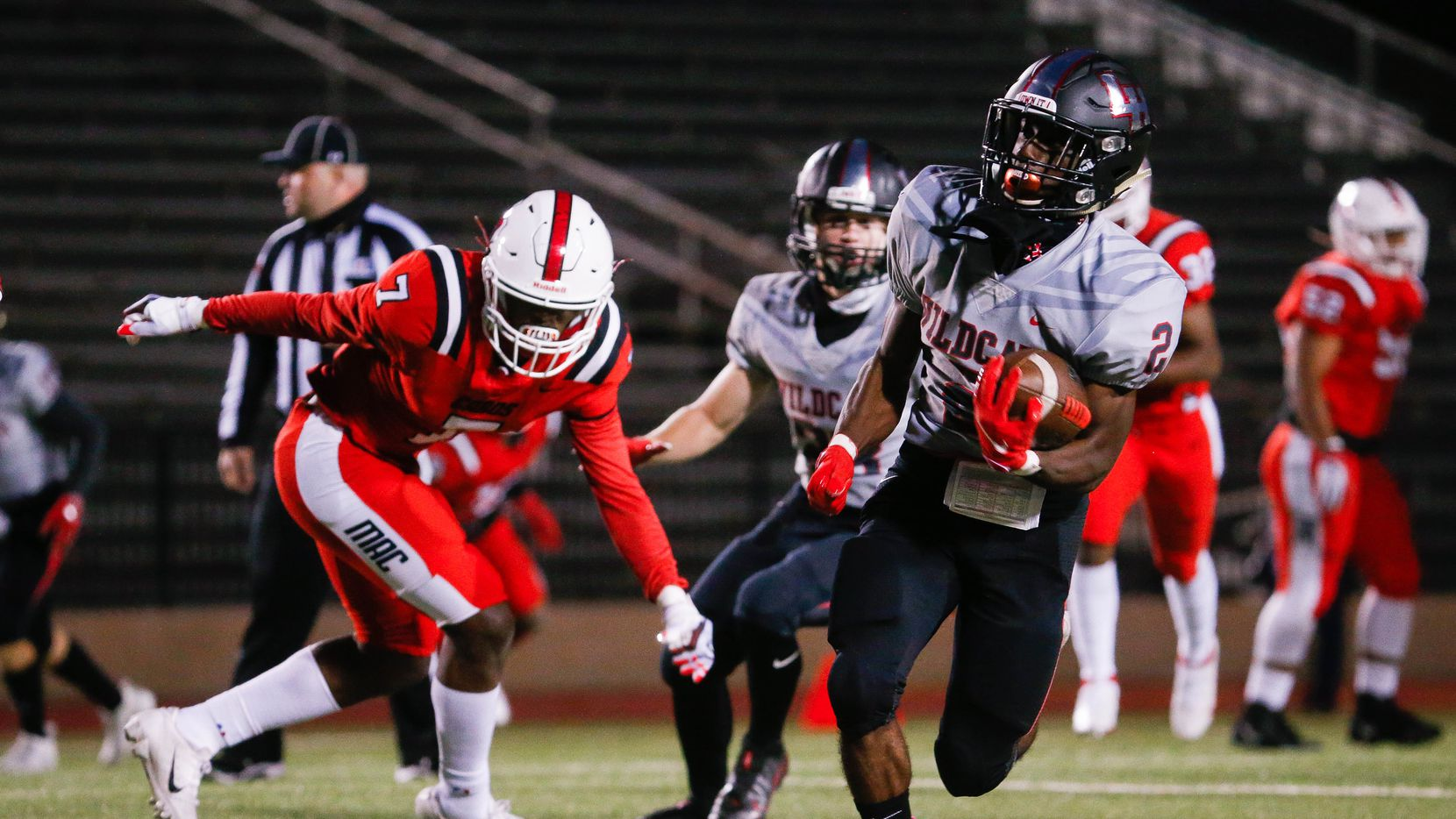 Lake Highlands Noelle Whitehead (2) has rushed for 947 yards and seven touchdowns this season. He averages 7.52 yards per carry.
