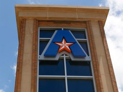 UT Arlington is continuing its postponement of spring and summer in-person commencement ceremonies as coronavirus cases spike across the state.