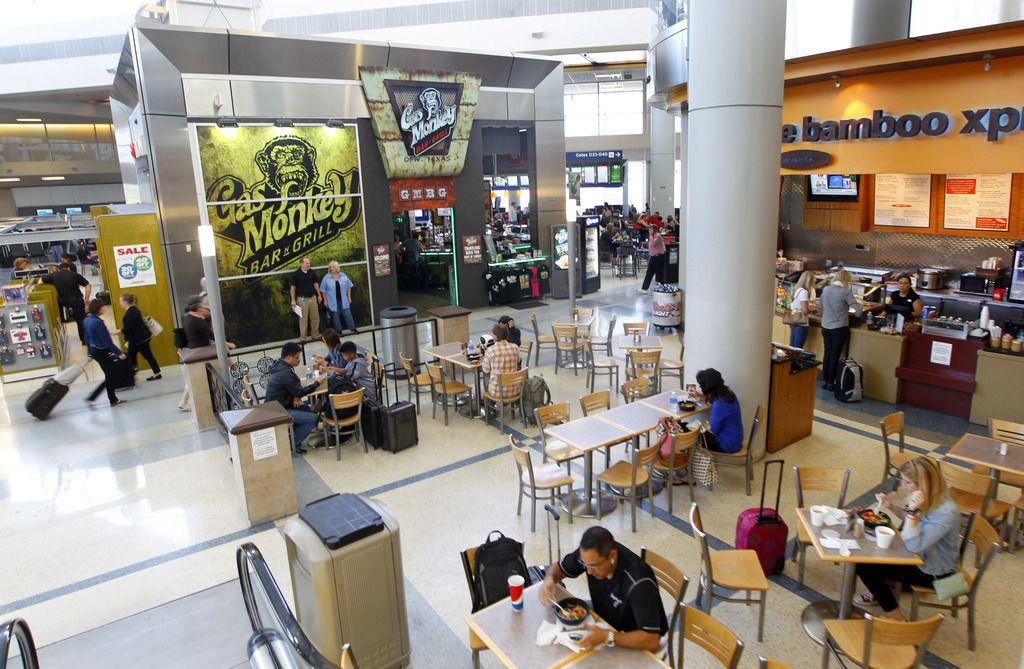 Un grupo restaurantero tendrá una feria de trabajo para empleos de hospitalidad en el aeropuerto DFW.