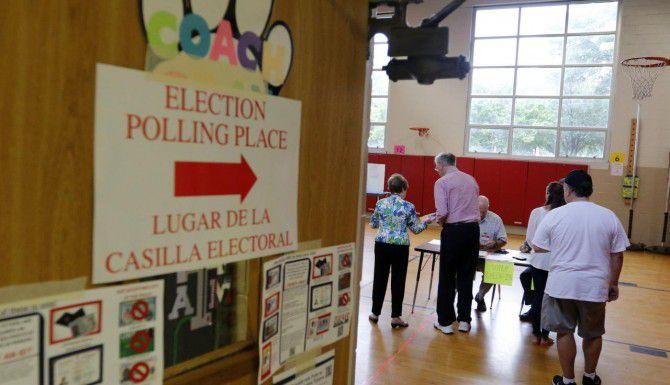 Dos candidatos que participaron en la elección del 9 de mayo demandaron al ayuntamiento y al condado de Dallas, argumentando que se cometió fraude en su contra. (DMN/ARCHIVO)