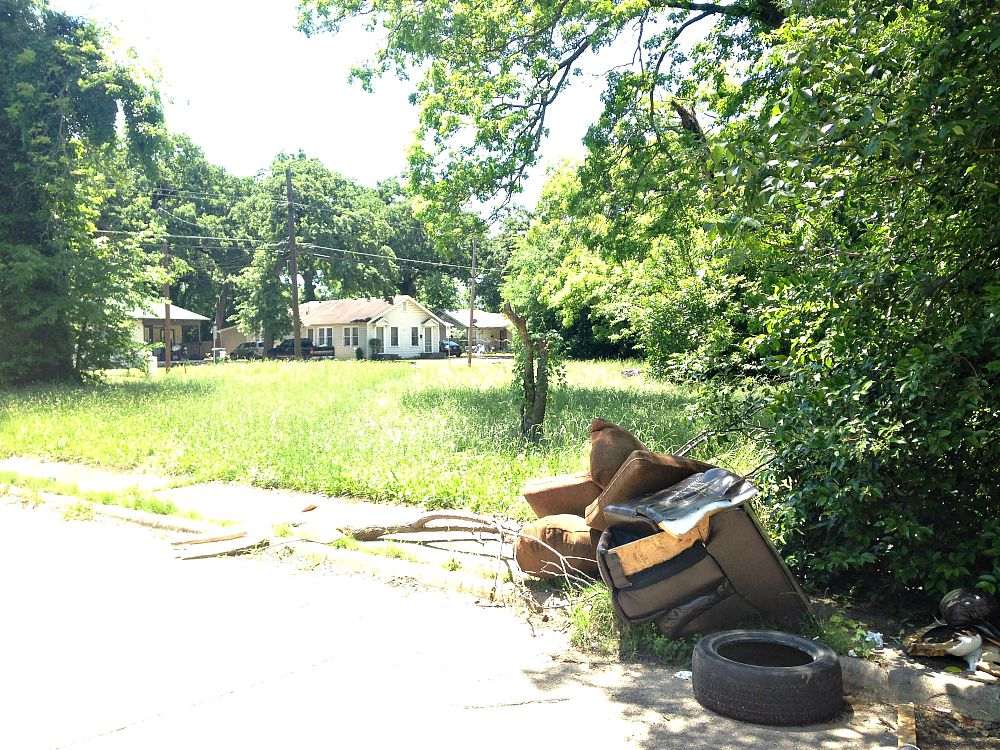 This is the trash heap I was shooting when Bill came by and asked if I was the code official come to clean up this mess in South Dallas.