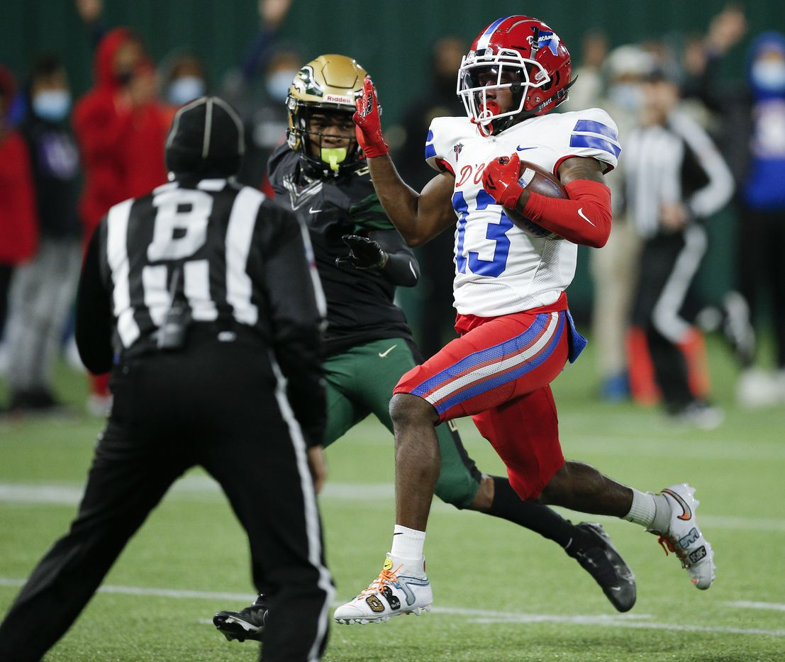 Duncanville junior running back Da'Myrion Coleman (13) carries the ball in for a touchdown during the first half of a Class 6A Division I Region II final high school football game against DeSoto, Saturday, January 2, 2021. (Brandon Wade/Special Contributor)
