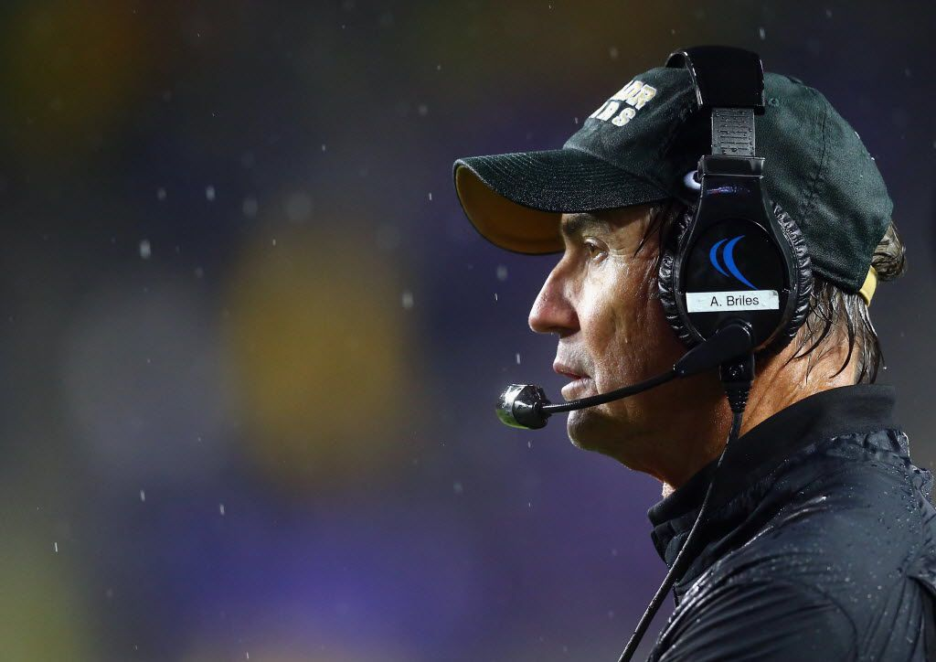 FORT WORTH, TX - NOVEMBER 27:  Head coach Art Briles of the Baylor Bears during the second half against the TCU Horned Frogs at Amon G. Carter Stadium on November 27, 2015 in Fort Worth, Texas.  (Photo by Ronald Martinez/Getty Images) ORG XMIT: 585798111