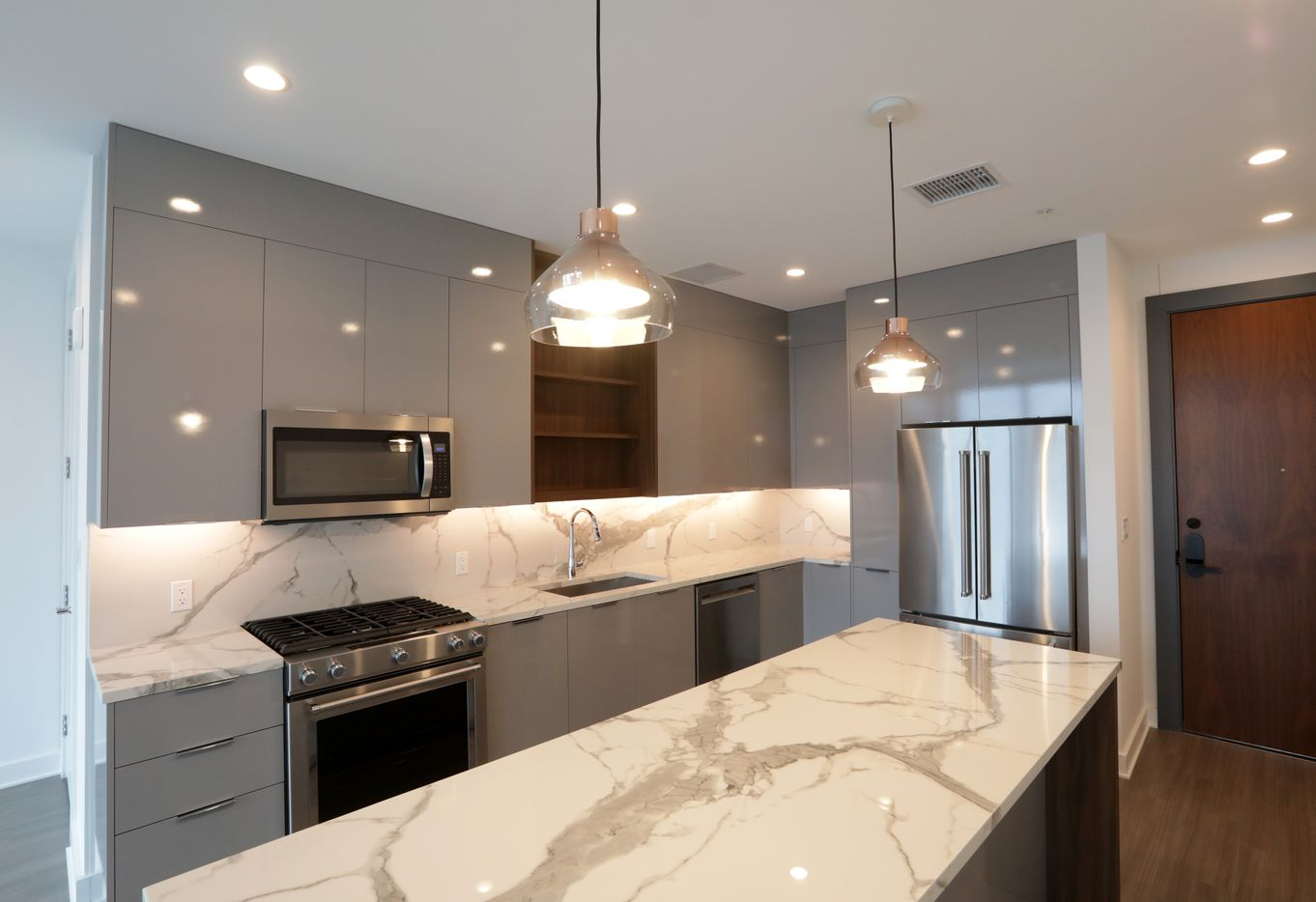 A finished kitchen area at Amli Fountain Place.