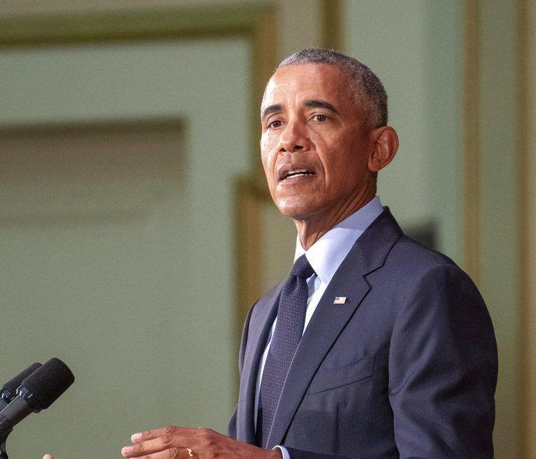 El expresidente estadounidense Barack Obama habla ante un lleno completo en el Foellinger Auditorium el viernes, 7 de septiembre del 2018, en el campus de la Universidad de Illinois en Urbana. (Stephen Haas/The News-Gazette vía AP)