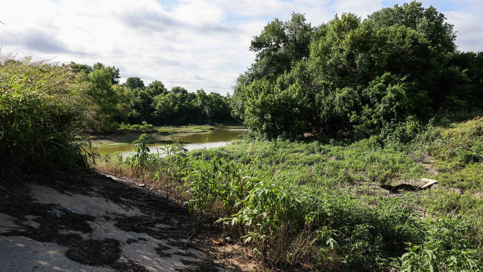During a hike south from Military Parkway, one of the views from what will become the second segment of the Trinity Forest Spine Trail.  The Spine Trail is one of four projects, totaling 11 miles, that the Circuit Trail Conservancy is responsible for building to link another 39 existing miles of trail into a continuous Loop Trail around Dallas.