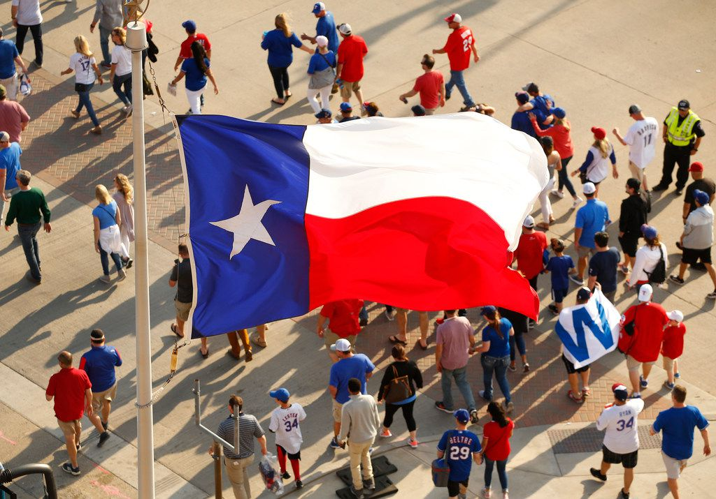 Texas Rangers fans leave early from Globe Life Park in Arlington, Thursday, March 28, 2019. (Tom Fox/The Dallas Morning News)