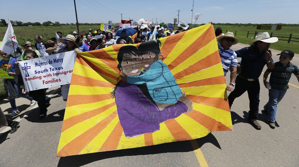 Marchers on their way to the immigrant detention center in Dilley, Texas.
