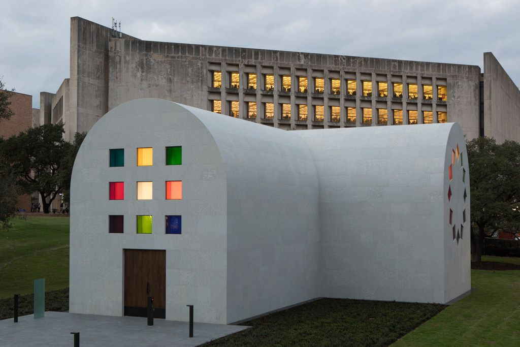 A southeast view of Ellsworth Kelly's Austin at the Blanton Museum of Art in Austin, Texas  Ellsworth Kelly, Austin, 2015 (Southeast view) Artist-designed building with installation of colored glass windows, marble panels, and redwood totem 60 ft. x 73 ft. x 26 ft. 4 in.  Photo courtesy Blanton Museum of Art, The University of Texas at Austin