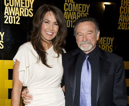 Robin Williams y su esposa Susan Schneider en  la ceremonia de los Comedy Awards en Nueva York. en el 2013 /AP
