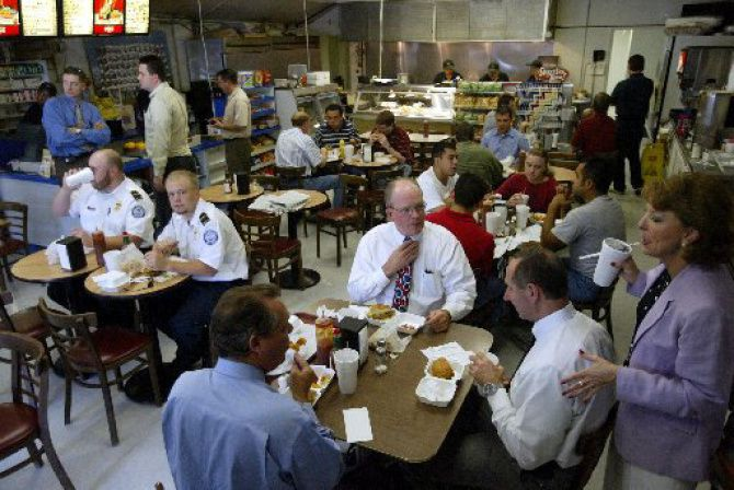 A lunch crowd dines at the Coppell Deli.