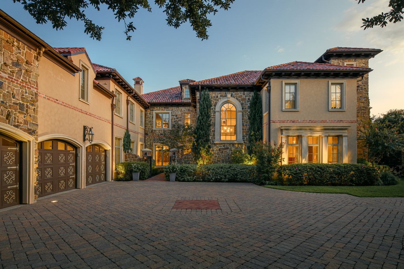 Take a look at the house at 9918 Avalon Creek Court in Dallas, TX.