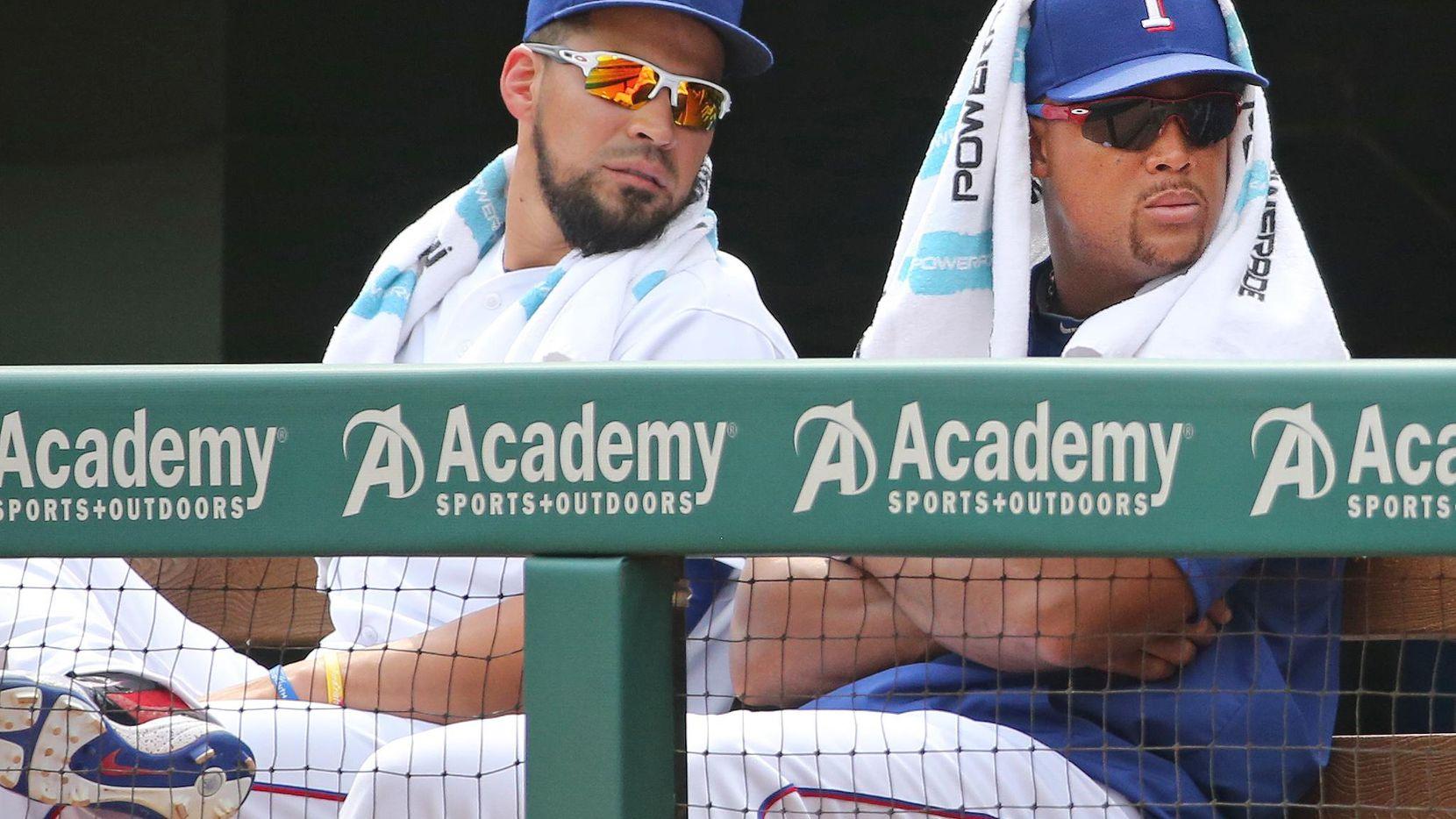 Adrián Beltre (derecha) sigue padeciendo una lesión en la pierna izquierda y no jugará más la presente temporada de los Rangers de Texas. AP