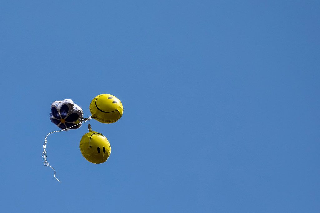"""FOR TOP 100 -- DO NOT PUBLISH BEFORE NOV. 20, 2017 -- A bunch of balloons flies away from the Encompass Home Health """"Fall Festival 2017, A Benefit for Alzheimer's!"""" on Friday, Sept. 22, 2017, in Dallas. (Smiley N. Pool/The Dallas Morning News)"""