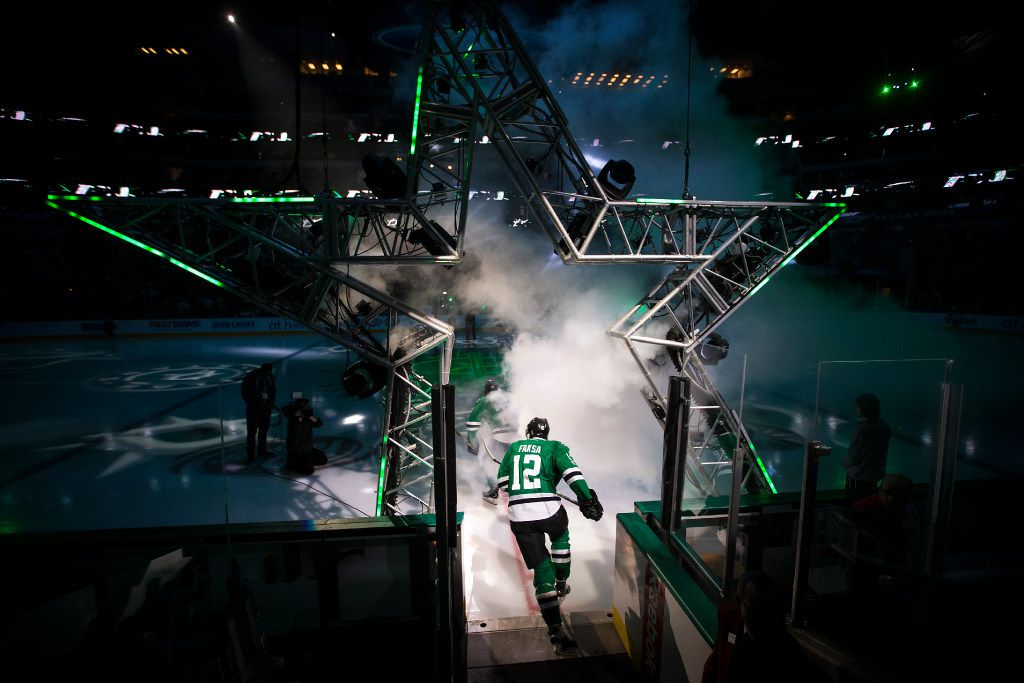 Dallas Stars center Radek Faksa (12) takes the ice to face the Carolina Hurricanes in an NHL hockey game at the American Airlines Center on Saturday, Feb. 11, 2017, in Dallas. (Smiley N. Pool/The Dallas Morning News)