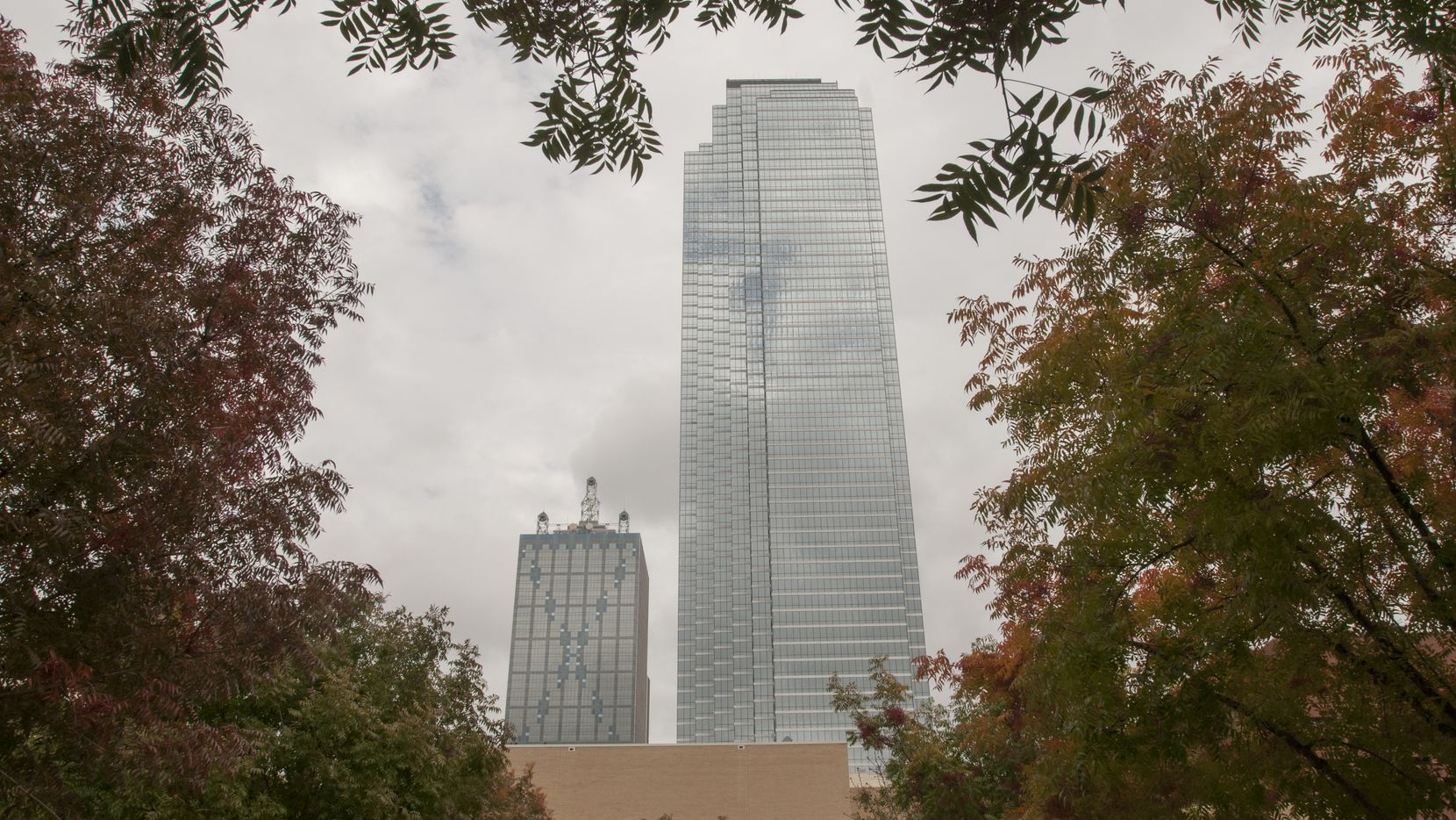 When downtown Dallas' tallest tower, Bank of America Plaza, was under construction in the 1980s, rumormongers spread the tale that the 72-story tower was sinking.