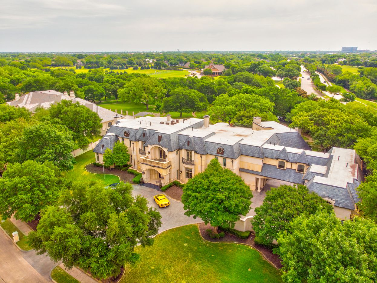 Aerial shot of 2000 Willow Bend Drive. (Norman and Young)