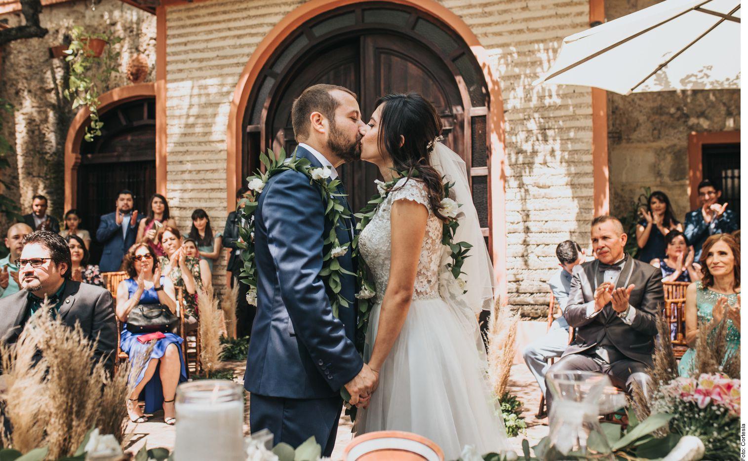 """A la hora de decir """"sí, acepto"""" a la unión matrimonial, algunas parejas también declaran su amor y compromiso por la Tierra."""