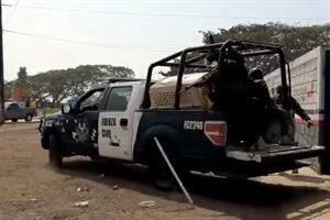 Gobierno reportó captura de 20 civiles tras enfrentamiento con GN en Isla, Veracruz, que dejó 2 elementos heridos y una patrulla incendiada.