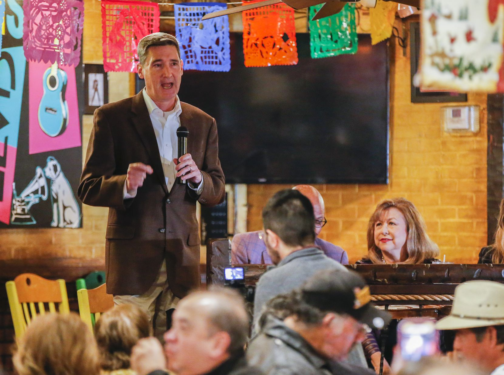 Dallas mayoral candidate Larry Casto speaks during a community breakfast at El Ranchito Restaurant hosted by the League of United Latin American Citizens, Saturday, January 5, 2019.
