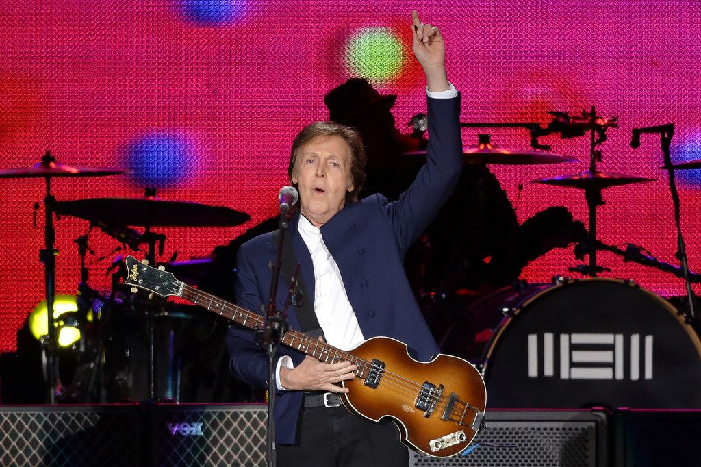 SEOUL, SOUTH KOREA - MAY 02:  Paul McCartney performs on stage during The Out There Tour 2015 on May 2, 2015 in Seoul, South Korea.  (Photo by Chung Sung-Jun/Getty Images) ORG XMIT: 552038761