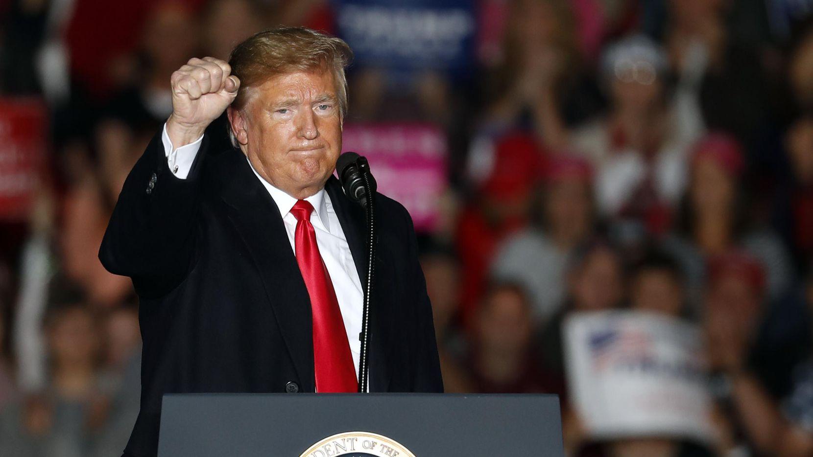 El presidente Donald Trump petende eliminar el derecho a ciudadanía a niños nacidos de inmigrantes no autorizados.(AP)