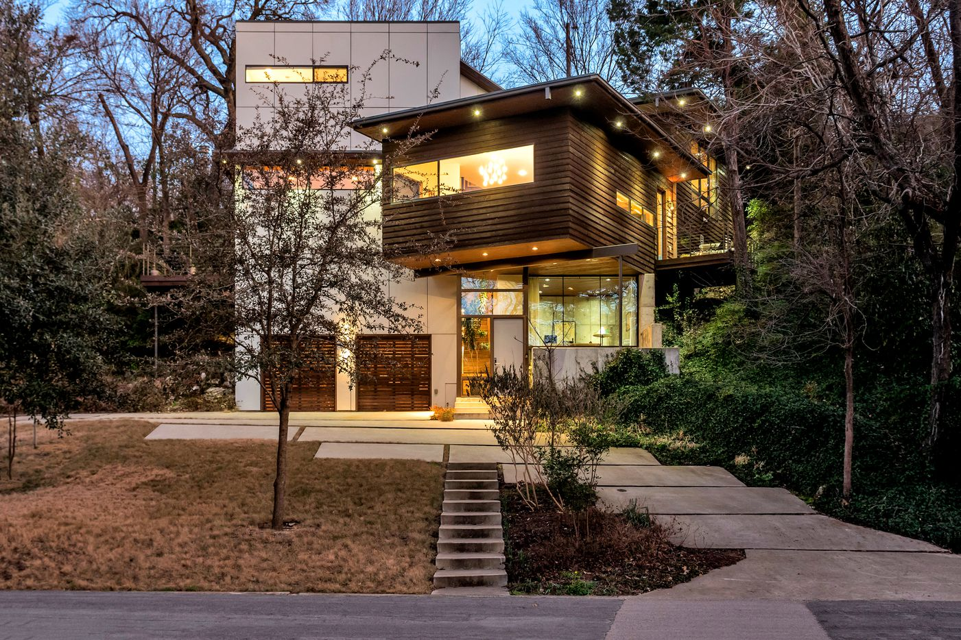 Take a look at the home at 434 W. Greenbriar Lane in Dallas, TX.