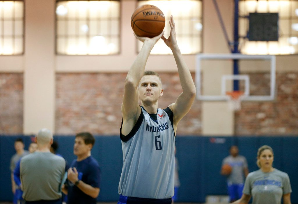 Dallas Mavericks forward Kristaps Porzingis (6) practices shooting free throws during practice at American Airlines Center in Dallas on Monday, February 4, 2019. (Vernon Bryant/The Dallas Morning News)