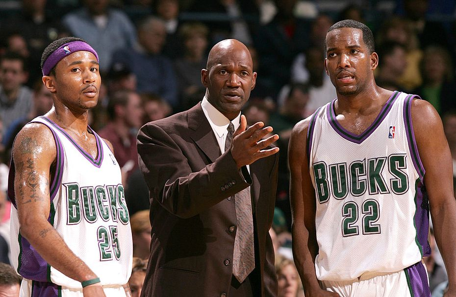 MILWAUKEE - APRIL 1:  Head coach Terry Porter of the Milwaukee Bucks gives instructions to Maurice Williams #25 and Michael Redd #22 during a game against the Memphis Grizzlies on April 1, 2005 at Bradley Center in Milwaukee, Wisconsin. The Grizzlies defeated the Bucks 93-82.  NOTE TO USER: User expressly acknowledges and agrees that, by downloading and/or using this Photograph, user is consenting to the terms and conditions of the Getty Images License Agreement.  (Photo by Jonathan Daniel/Getty Images)