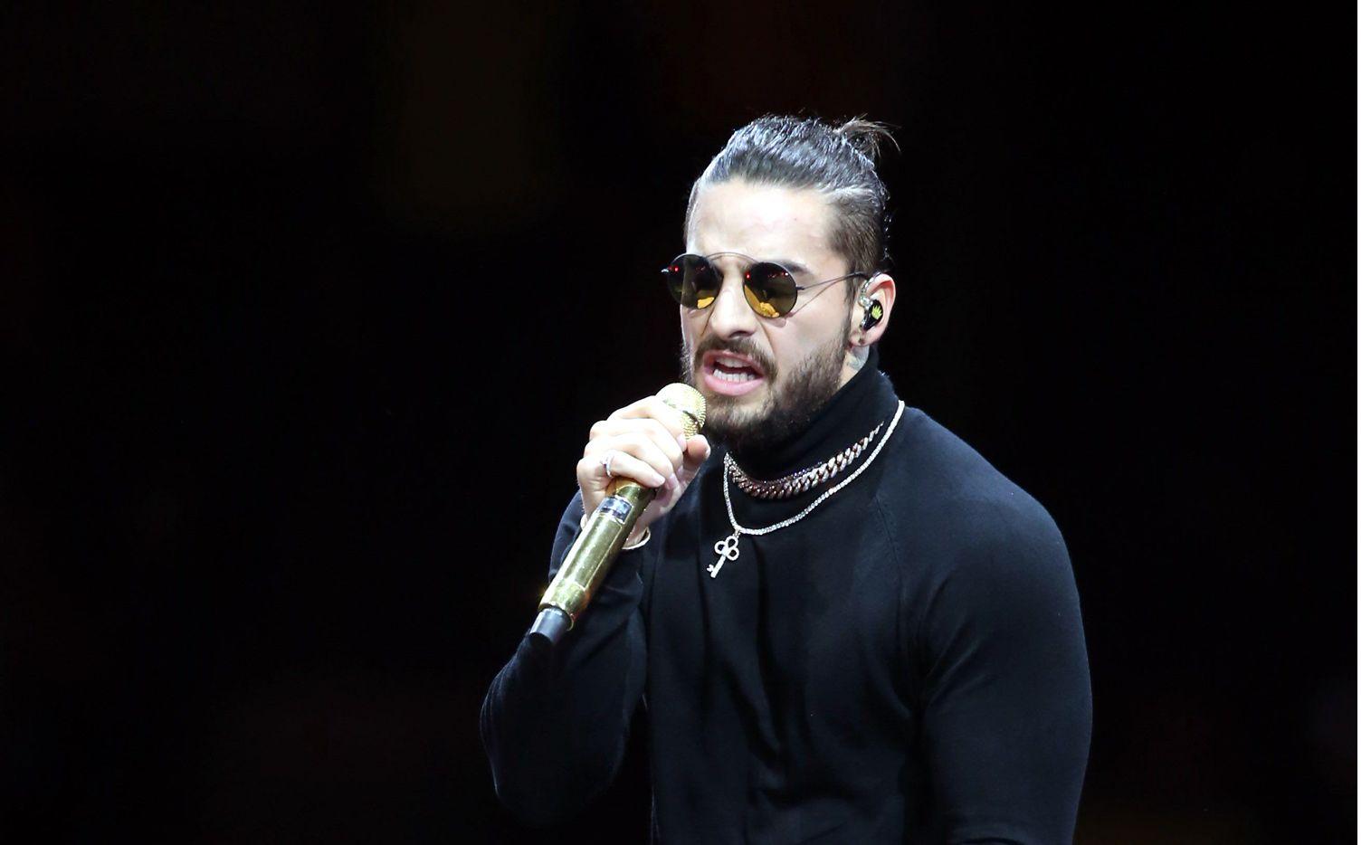 El intérprete de música urbana Maluma quedó tan maravillado con el reloj Cosmograph Daytona, que hasta se lo llevó puesto./ AGENCIA REFORMA