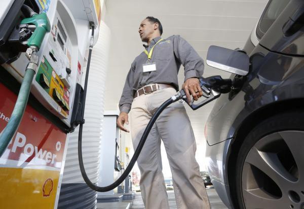 Los precios de la gasolina para este Labor Day estarán en los niveles más bajos desde el año 2004.