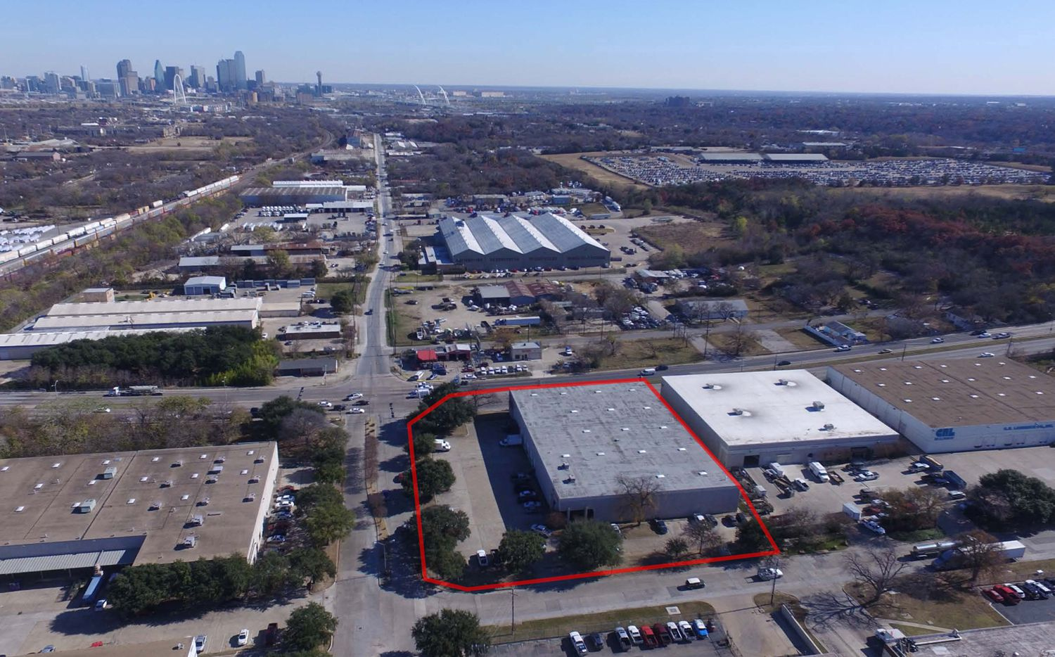 Stonelake Capital Partners has purchased a 38,500 square-foot industrial building at 1900 Lone star Dr. in West Dallas.