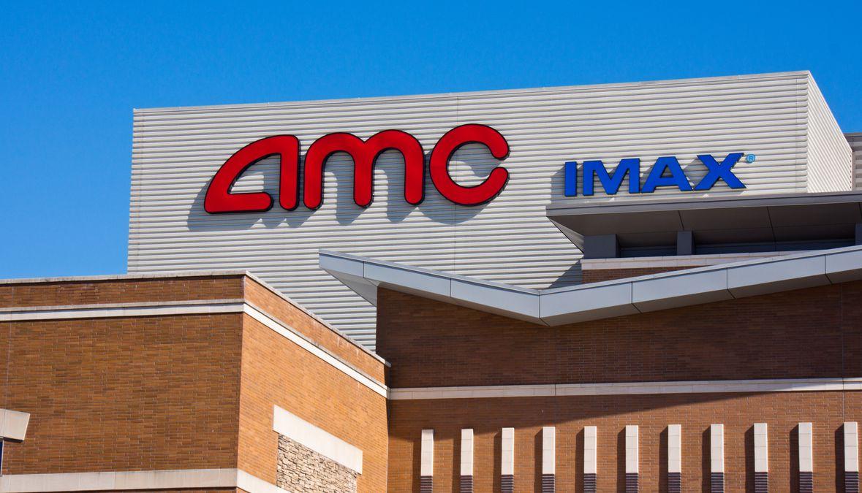 Cines AMC cambian fecha de reapertura del 17 de julio al 30 de ese mes.