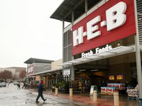 The H-E-B grocery store along U.S. Highway 77 in Waxahachie. H-E-B opened a store in Hudson Oaks, about 20 miles west of downtown Fort Worth in 2019. In addition to those two, other existing H-E-B stores circling the south and west of D-FW are in Burleson, Granbury, Cleburne, Ennis, Stephenville and Corsicana.