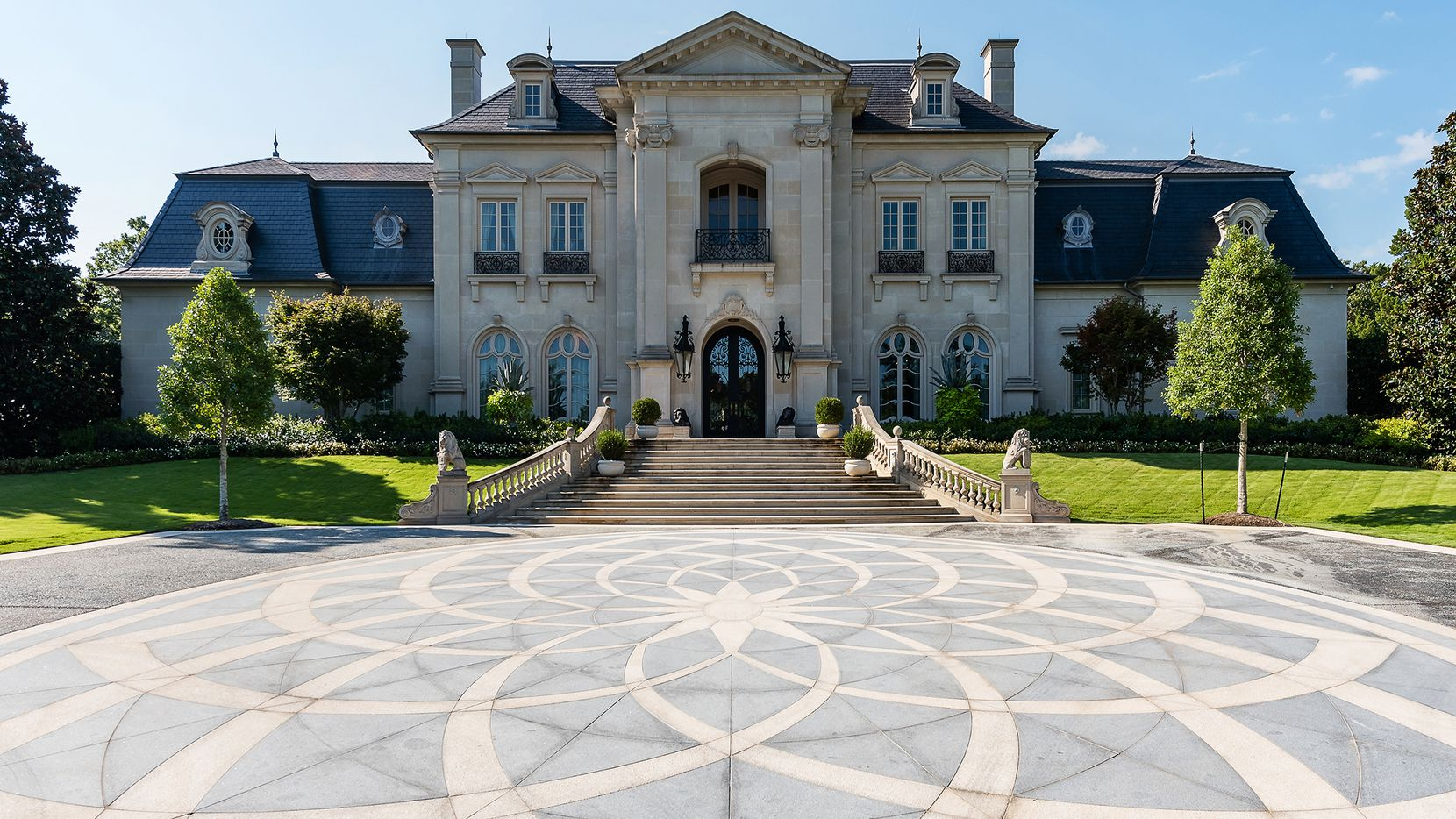 The 2-plus-acre estate at 5100 Park Lane is but one of numerous estates sold by Allie Beth Allman & Associates in 2020.