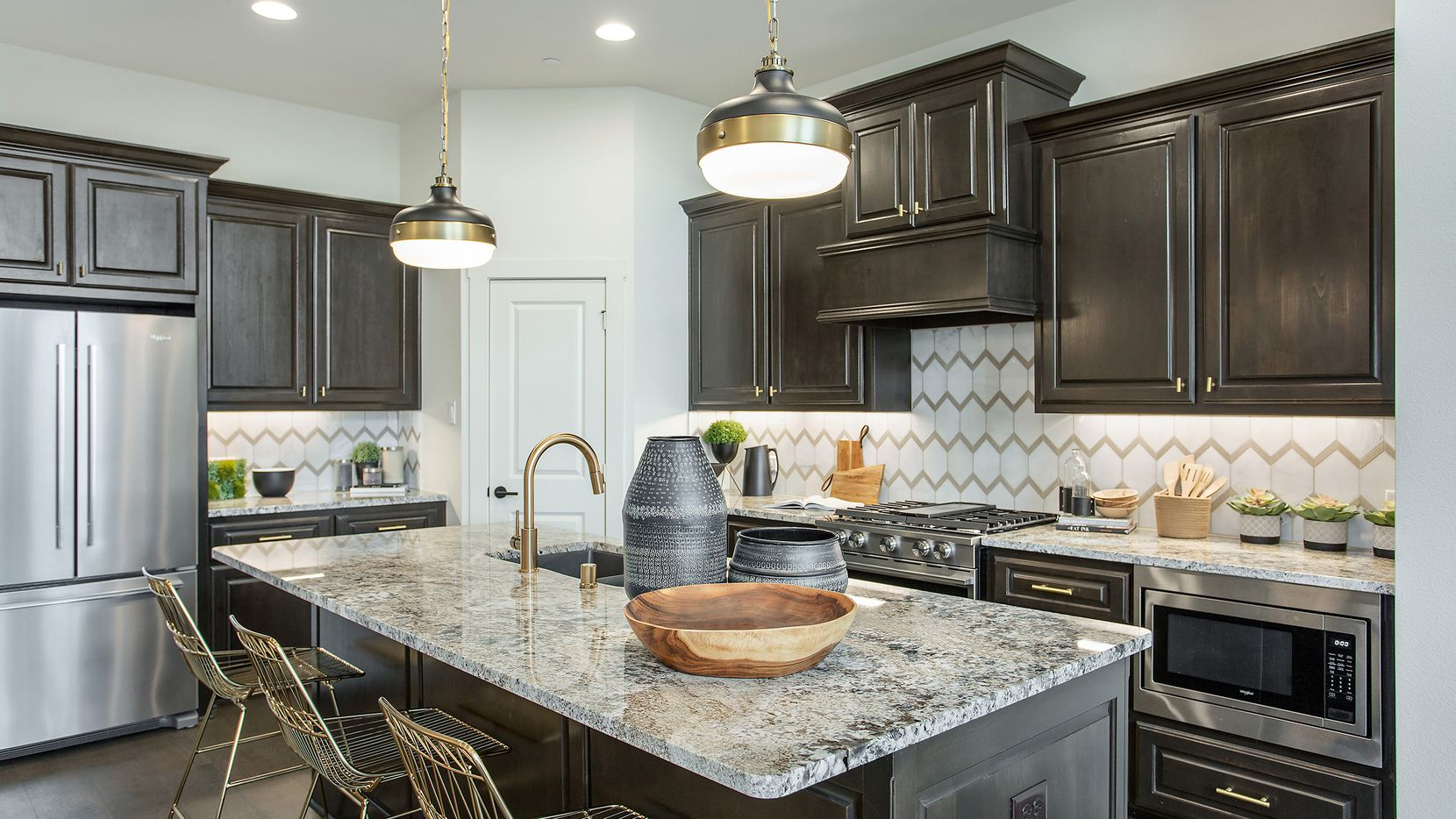 Move-in-ready villa homes by Grenadier Homes are available now in Riverset, Garland's newest master-planned community.