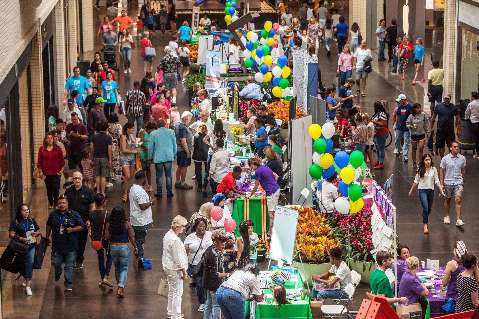 Crowds lined up to donate to nonprofits as part of North Texas Giving Day on Sept. 19, 2019, at NorthPark Center in Dallas.
