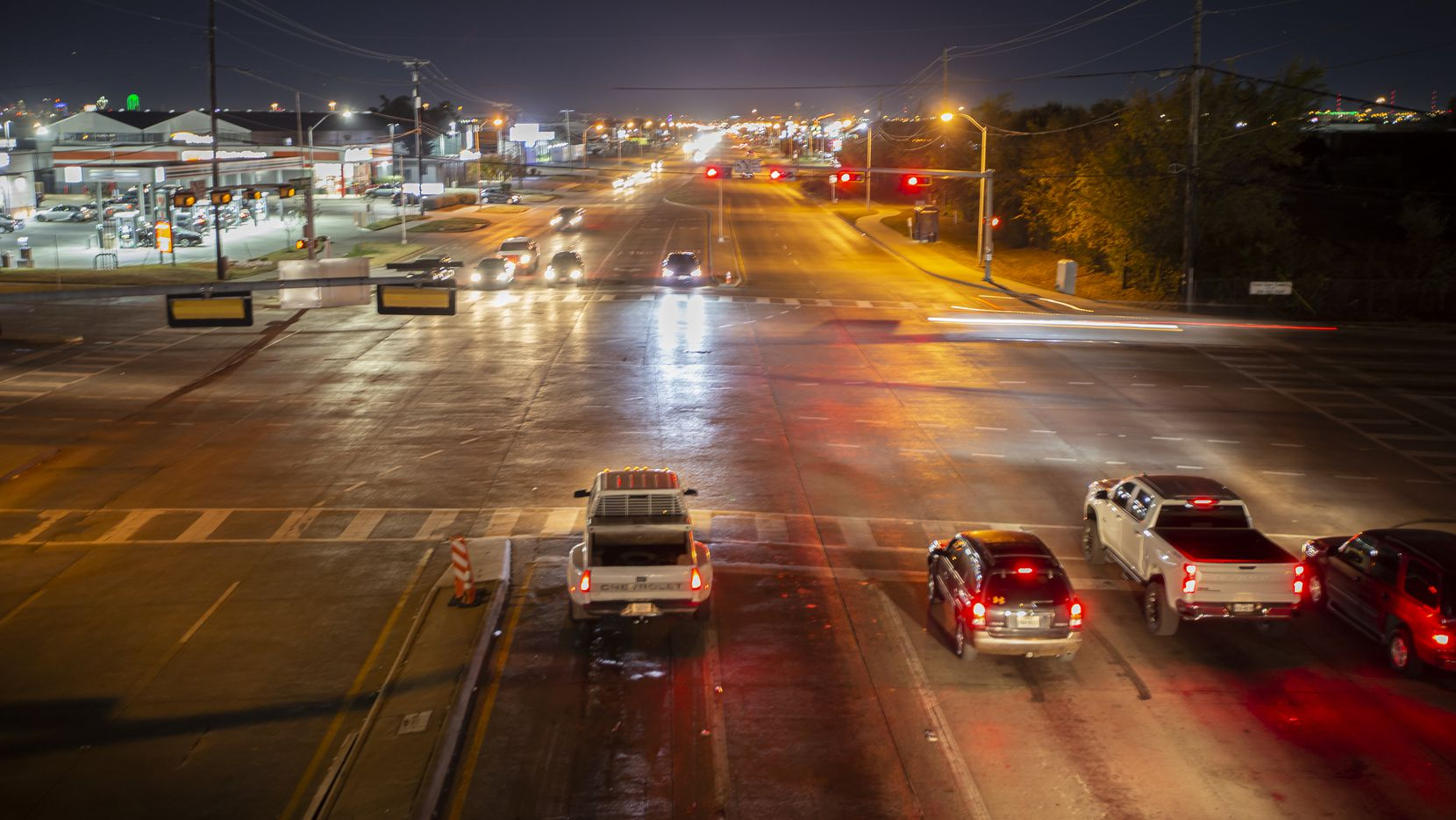 Looking South on Harry Hines Blvd at the intersection of Walnut Hill Lane in Dallas Sunday, December 6, 2020. DPD officials are looking to expand a cruising ordinance to the Harry Hines Boulevard to stop drivers who are cruising in areas that have prostitution. (Brandon Wade/Special Contributor)