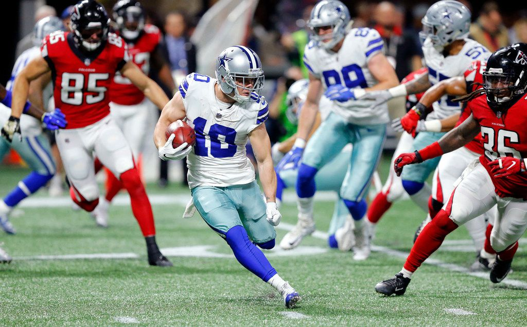 Dallas Cowboys wide receiver Ryan Switzer (10) cuts back across the field as he returns a fourth quarter kick off against the Atlanta Falcons at Mercedes-Benz Stadium in Atlanta, Georgia, Sunday, November 12, 2017. (Tom Fox/The Dallas Morning News)