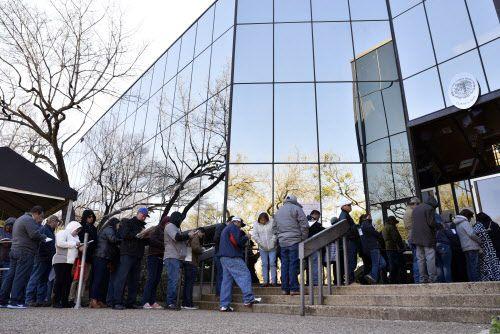 El consulado de México en Dallas permanecerá cerrado el lunes.