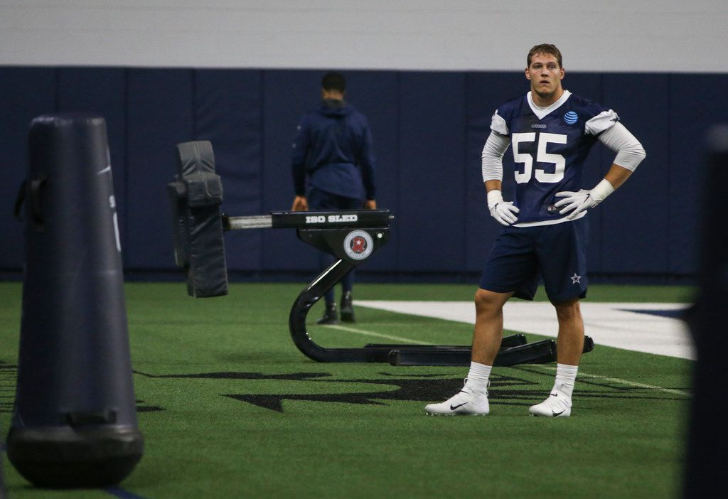 Dallas Cowboys linebacker Leighton Vander Esch (55) participates in a drill during a Cowboys minicamp practice on Tuesday, June 11, 2019 at The Star in Frisco, Texas. (Ryan Michalesko/The Dallas Morning News)