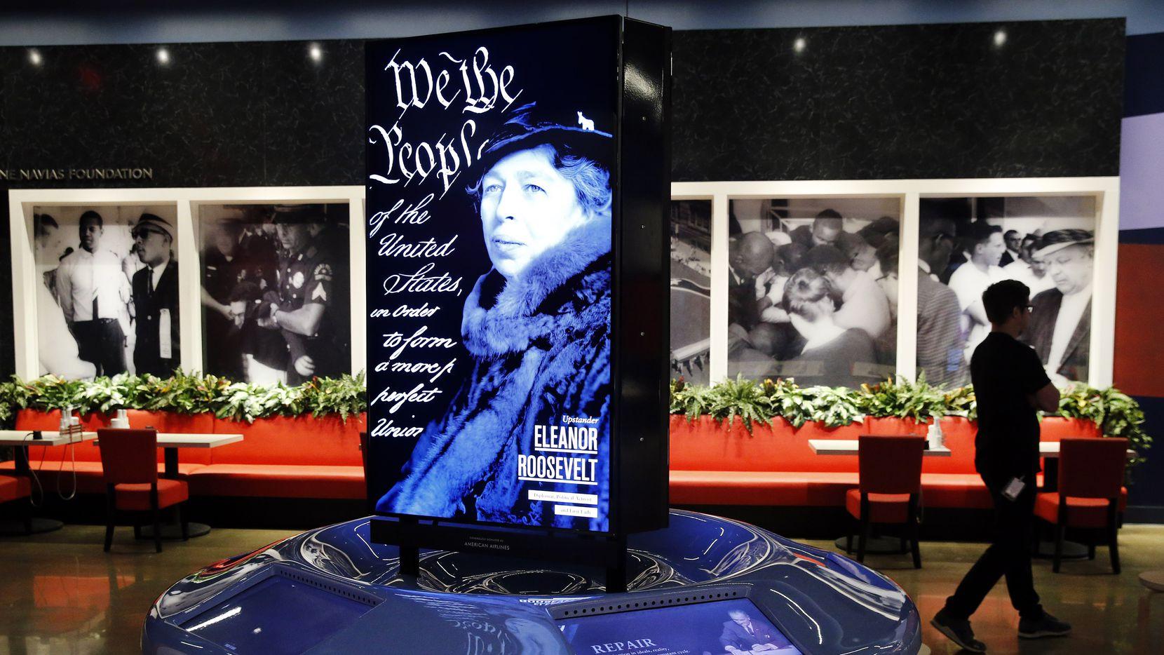 Un retrato de Eleanor Roosevelt en una de las exhibiciones del Museo del Holocausto en Dallas.