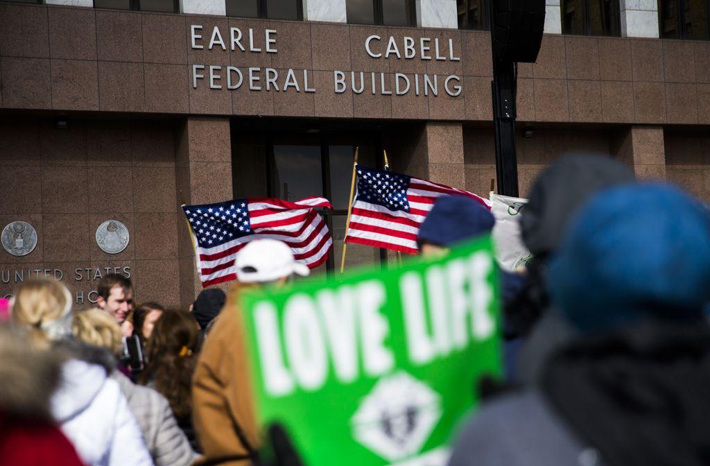 Los grupos pro-vida realizaron una marcha en enero pasado por las calles de Dallas. ASHLEY LANDIS/DMN